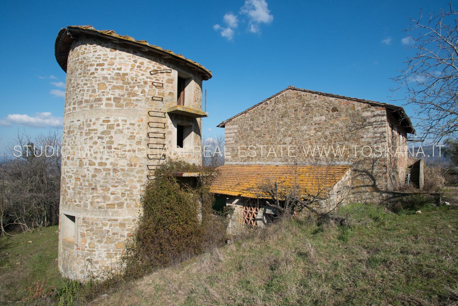 Casa colonica da restaurare in vendita a san casciano val for Casa vivente del sud progetta la casa colonica