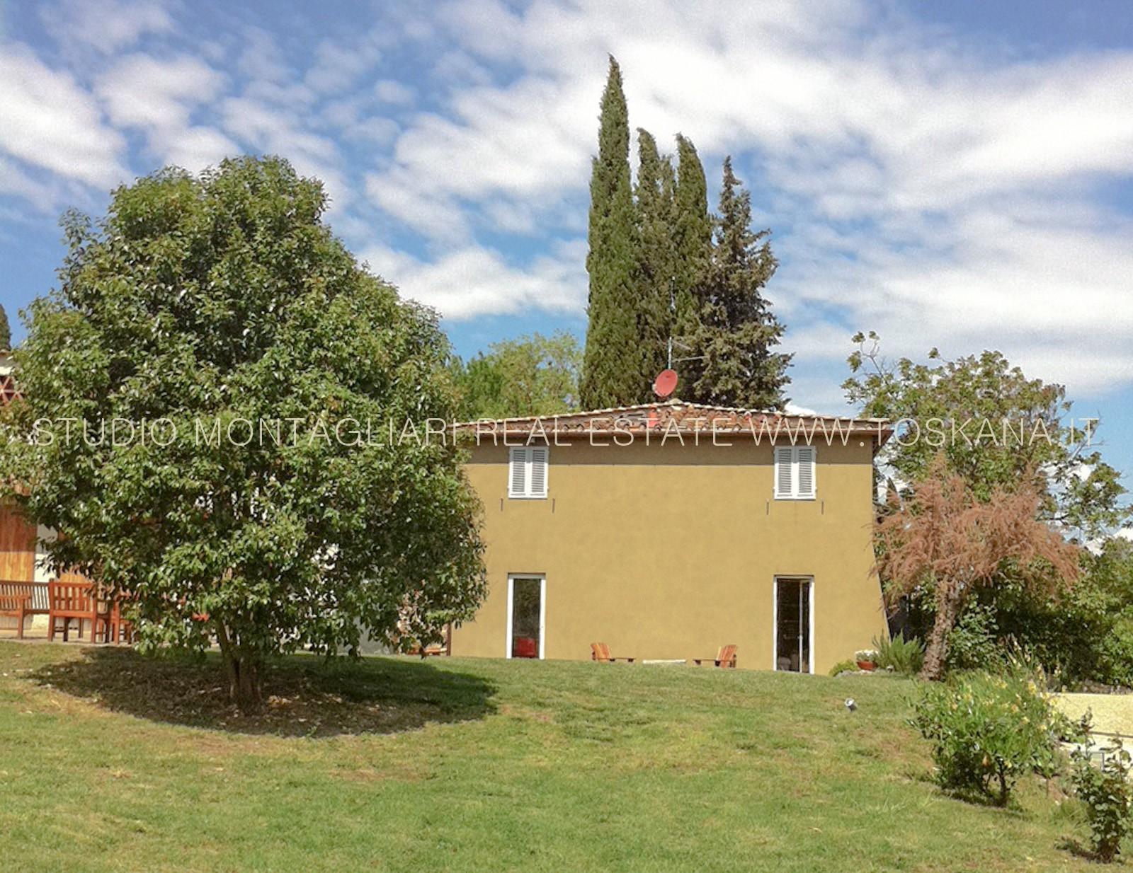 Casa indipendente con giardino in vendita a firenze porta - Case in vendita con giardino firenze ...